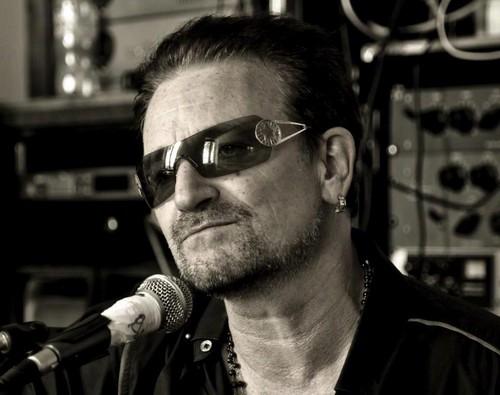 U2 wallpaper with sunglasses called U2