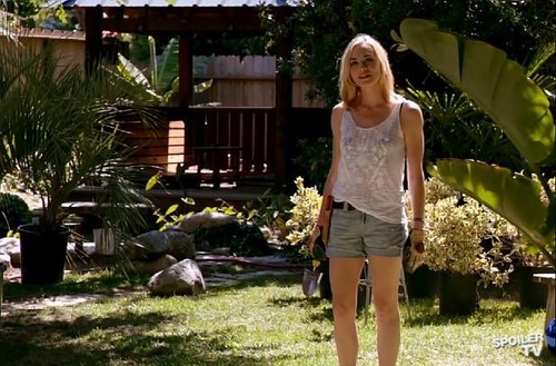 "Yvonne Strahovski as Hannah McKay in ""Dexter"""