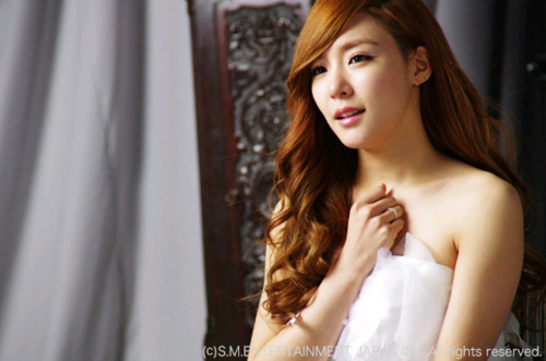 Girl's Generation/SNSD hình nền containing a portrait entitled tiffany in time machine :))