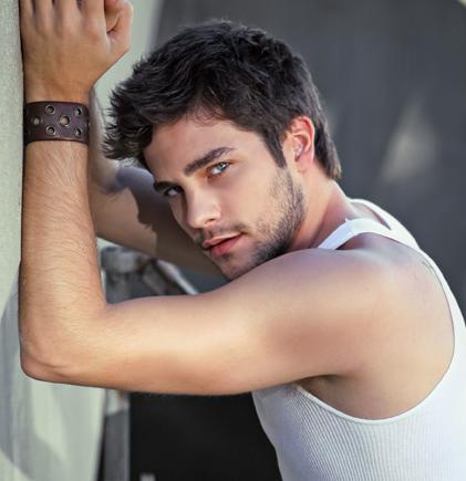 Hottest Actors wallpaper called Brant Daugherty