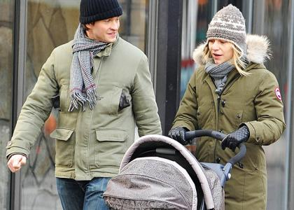Claire Danes & Hugh Dancy: Chistmas Eve Stroll with Cyrus