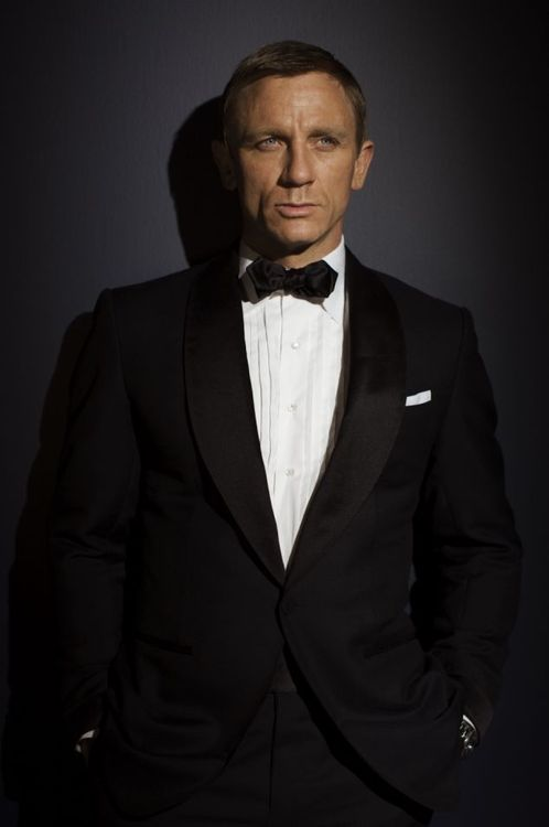 Daniel Craig James Bond Suit
