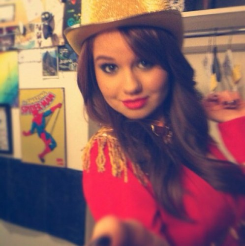 Debby Ryan wallpaper with a snap brim hat, a fedora, and a campaign hat titled Debby Ryan