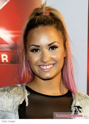 demi lovato wallpaper containing a portrait called Demiii xxx