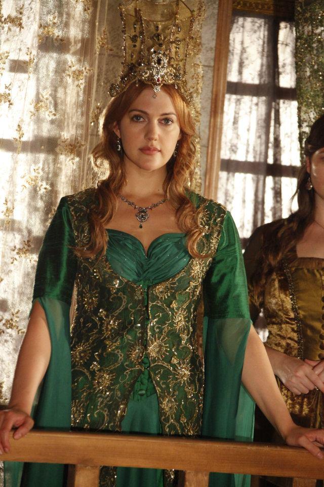 Хюррем султан в зеленых платьях