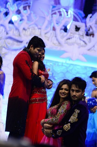 Vivian Dsena fond d'écran called Ishq wala l'amour - Golden Petal Awards