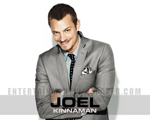 Joel Kinnaman Обои containing a business suit, a suit, and a three piece suit called Joel Kinnaman