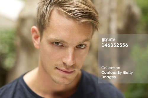 Joel Kinnaman Обои containing a portrait called Joel Kinnaman
