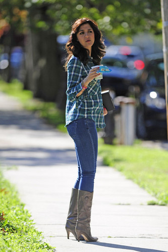 Katie Findlay on set of 'The Carrie Diaries' October 16 2012