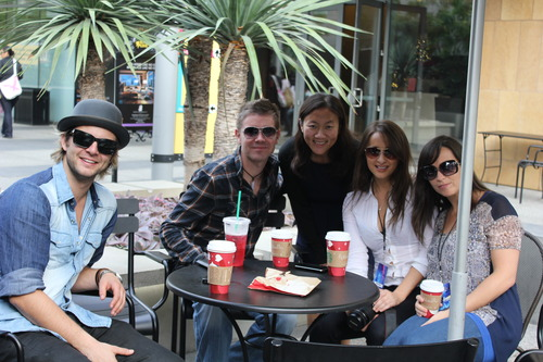 Keith, Neil, Seana and Nicole with a 粉丝