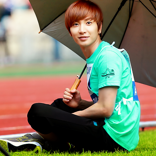 Super Junior wolpeyper probably with a parasol called Leeteuk