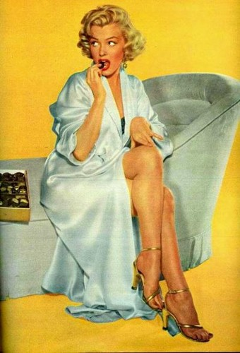 Marilyn Monroe wallpaper possibly containing a well dressed person and a bathrobe called MM