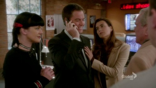 "NCIS S10E10 ""You Better watch Out"""