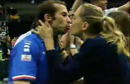 Nicole Radek Davis Cup ciuman