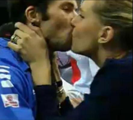 Nicole Radek Davis Cup Kiss