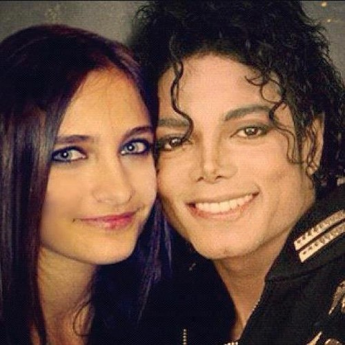 Paris Jackson wolpeyper with a portrait entitled Paris Jackson & Michael Jackson