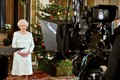 クイーン Elizabeth II's 2012 クリスマス Broadcast In 3D At Buckingham Palace
