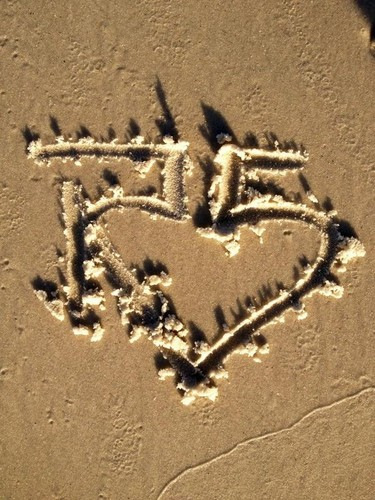 R5 in the sand