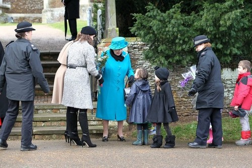 Royal Family Sandringham Krismas 2012