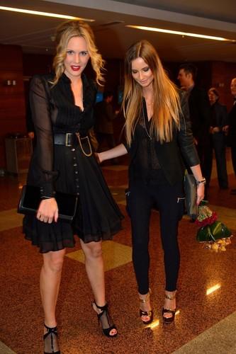 Satorova has very slim legs :-(