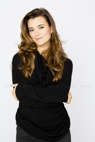 Cote de Pablo fond d'écran possibly containing a well dressed person entitled Season Ten