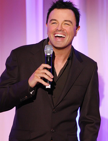 Seth MacFarlane wallpaper containing a business suit entitled Seth