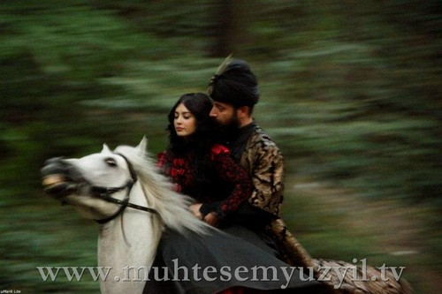 Suleyman and Isabela - horse riding