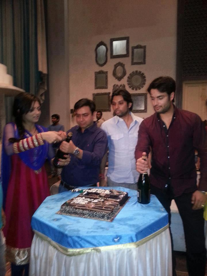 TRP celebration on set of Madhubala