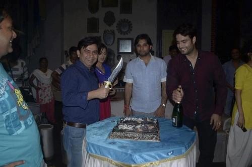 TRP celebration on set of Madhubala