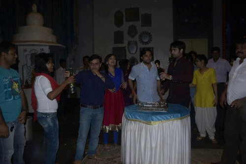 Vivian Dsena achtergrond possibly containing a lectern called TRP celebration on set of Madhubala