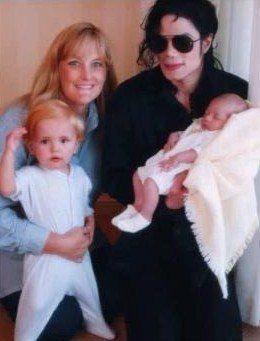 Paris Jackson achtergrond probably containing a neonate, a milk, and a paper towel called The Jackson Family
