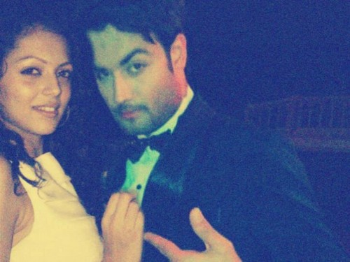 Vivian Dsena Hintergrund possibly with a business suit and a dress suit called Vivian and Drashti