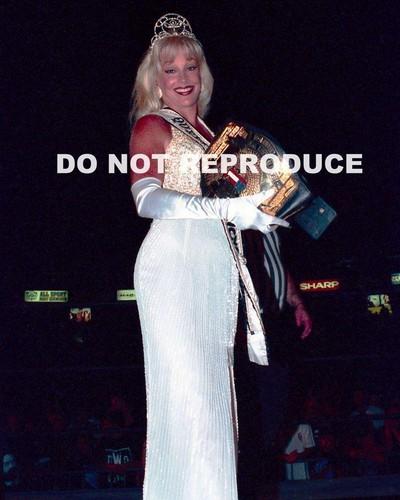 Former WWE Diva... Debra achtergrond titled WCW Candid pics