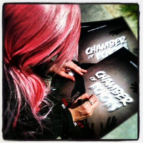 chamber of echoes live klaryssa autographs ファン