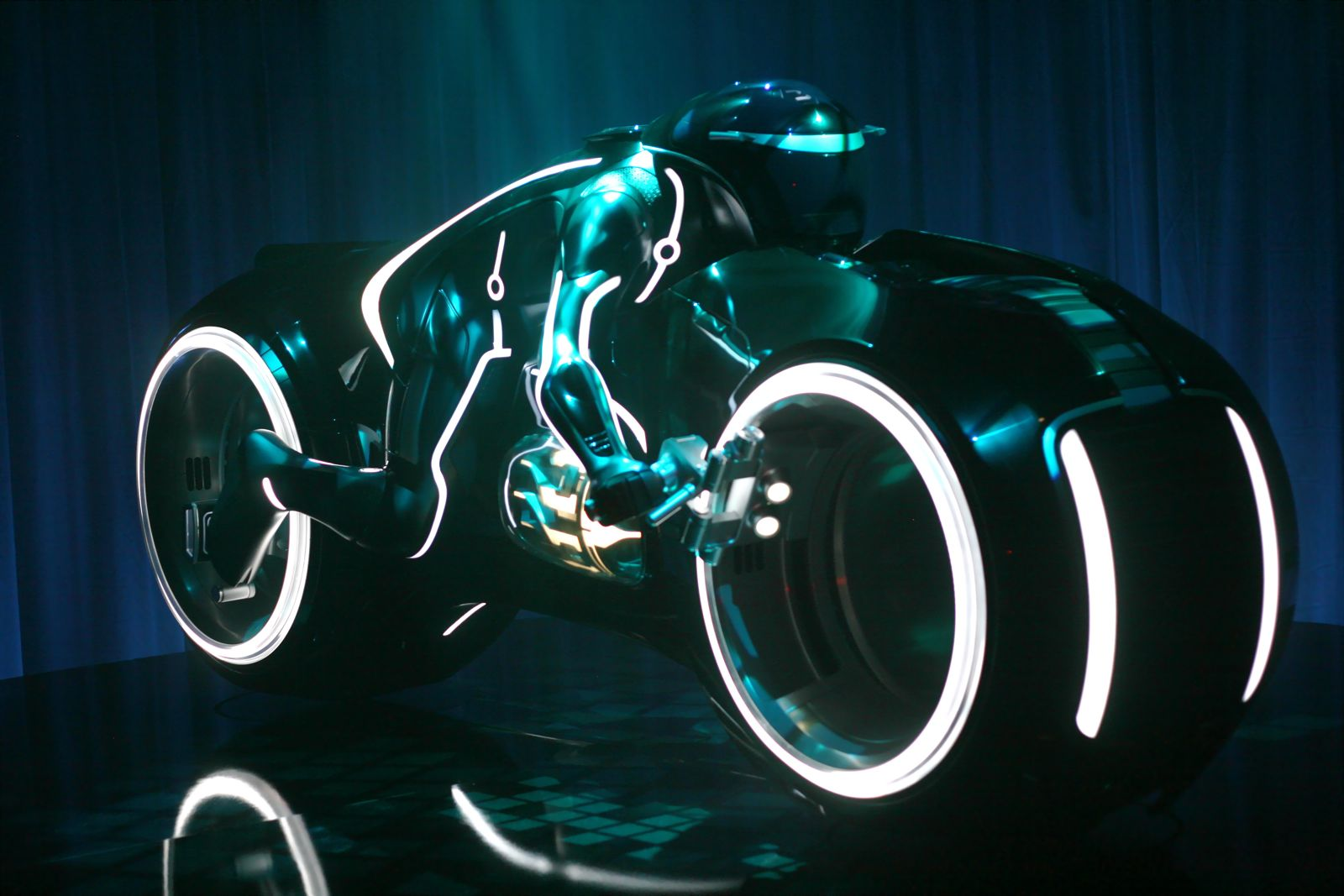 the tron light cycle -#main