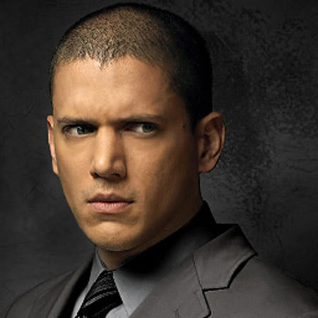 Wentworth Miller Hintergrund containing a business suit, a suit, and a double breasted suit called wentworth miller
