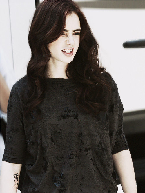 Lily Collins - Lily Collins Photo (33299988) - Fanpop