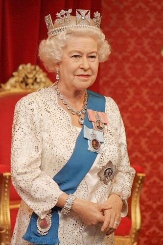 Queen Elizabeth II wallpaper entitled  Queen Elizabeth II  _madame tussauds
