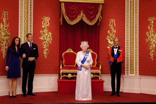 क्वीन Elizabeth II _madame tussauds