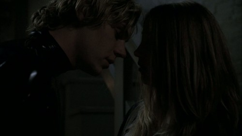1x04- Хэллоуин Part 1