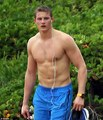 Alexander Ludwig spotted with his girlfriend in Hawaii (1/2/2013) - alexander-ludwig photo