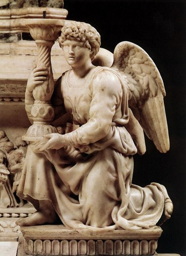 Angel with Candlestick (1494–1495) kwa Michelangelo