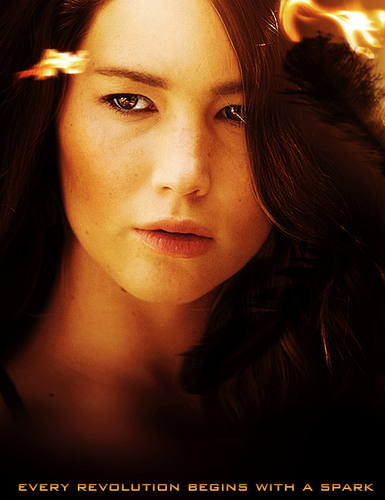 Catching feu character poster: Katniss Everdeen