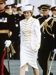 Prinzessin Diana Hintergrund possibly containing a full dress uniform, uniform, regimentals, and a musiker, namentlich called Diana