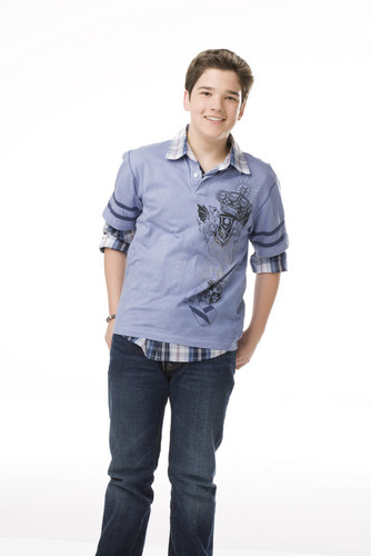 iCarly wolpeyper containing a pantleg, bellbottom trousers, and long trousers called Freddie