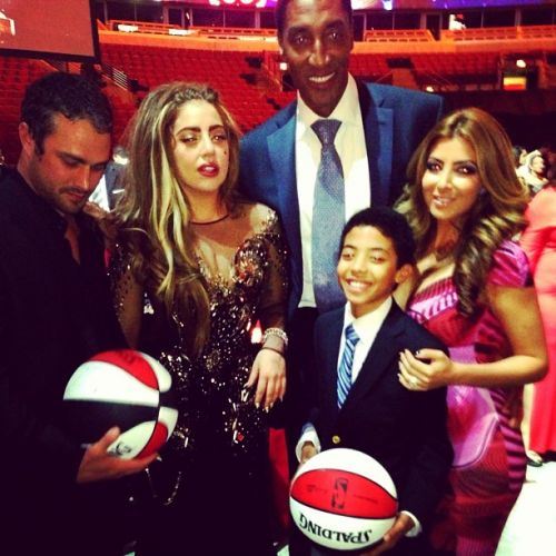 Gaga and Taylor at the Chicago Bulls charity cena