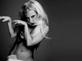 Gaga by Mariano Vivanco - lady-gaga wallpaper