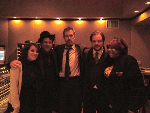 Hugh Laurie & The Copper Bottom Band in recording for new album 09.01.2013