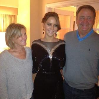 Jennifer Lawrence and her family before the people choice awards 2013