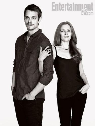 Joel Kinnaman & Mireille Enos EW
